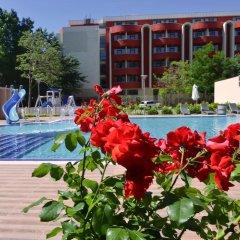 Отель Admiral Plaza Holiday Apartments Болгария, Солнечный берег - отзывы, цены и фото номеров - забронировать отель Admiral Plaza Holiday Apartments онлайн бассейн фото 2