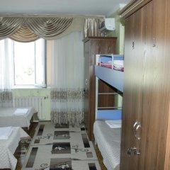 Hostel Inn Osh Стандартный номер с различными типами кроватей фото 3