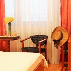 Отель Rex 3* Стандартный семейный номер с двуспальной кроватью фото 4