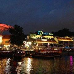 Отель Robertson Quay Hotel Сингапур, Сингапур - отзывы, цены и фото номеров - забронировать отель Robertson Quay Hotel онлайн приотельная территория фото 2