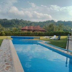 Отель Sinabovite Houses Болгария, Боженци - отзывы, цены и фото номеров - забронировать отель Sinabovite Houses онлайн бассейн фото 2