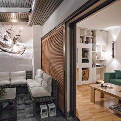 Отель Hidesign Luxury Tube Apt in Kolonaki комната для гостей фото 2