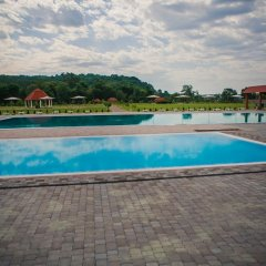 Hotel Illara Свалява бассейн