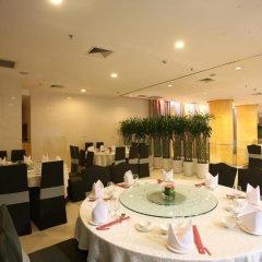 Отель Kapok Shenzhen Luohu Китай, Шэньчжэнь - отзывы, цены и фото номеров - забронировать отель Kapok Shenzhen Luohu онлайн питание фото 3