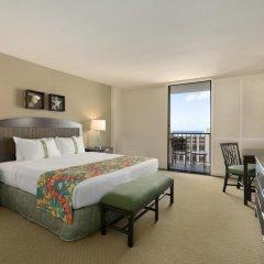 Отель Waikiki Beachcomber by Outrigger 3* Стандартный номер с различными типами кроватей фото 13