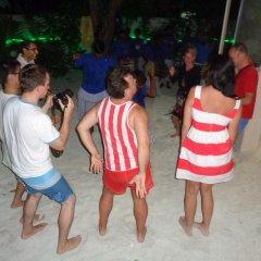 Отель Askani Thulusdhoo Остров Гасфинолу гостиничный бар