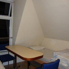 Hotel Strand Continental Кровать в общем номере с двухъярусной кроватью фото 6