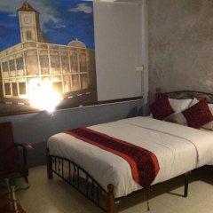 Beehive Phuket Oldtown Hostel Улучшенный номер