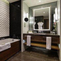 Hilton Istanbul Bomonti Hotel & Conference Center 5* Стандартный номер с 2 отдельными кроватями