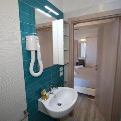 Residence Hotel Angeli Римини ванная фото 2