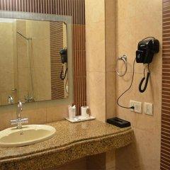 Отель Emperor Palms @ Karol Bagh Индия, Нью-Дели - отзывы, цены и фото номеров - забронировать отель Emperor Palms @ Karol Bagh онлайн ванная фото 2