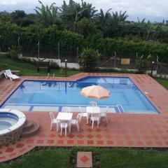 Отель Finca La Maquina бассейн