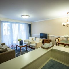 Queen's Court Hotel &Residence 5* Люкс с различными типами кроватей фото 8