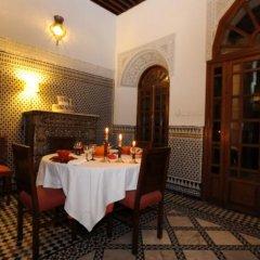 Отель Riad au 20 Jasmins Марокко, Фес - отзывы, цены и фото номеров - забронировать отель Riad au 20 Jasmins онлайн питание фото 3