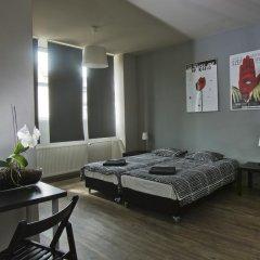 Corner Hostel комната для гостей