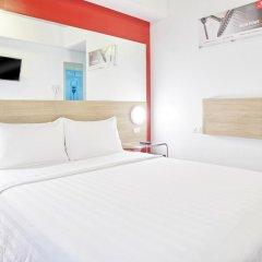 Отель Red Planet Aseana City, Manila 2* Стандартный номер с различными типами кроватей фото 5