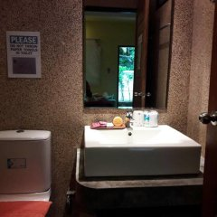 Отель Andaman Legacy Guest House 2* Стандартный номер с различными типами кроватей фото 11