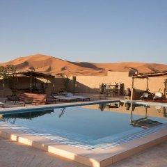 Отель Auberge Sahara Garden Марокко, Мерзуга - отзывы, цены и фото номеров - забронировать отель Auberge Sahara Garden онлайн бассейн