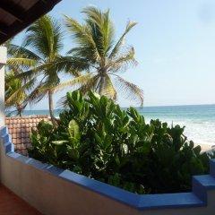 Отель Blue Ocean Villa Хиккадува балкон