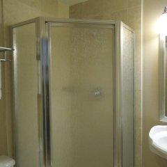 Отель Embassy Inn 2* Стандартный номер с различными типами кроватей фото 5