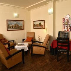 Отель Little House In Rechavia Иерусалим развлечения