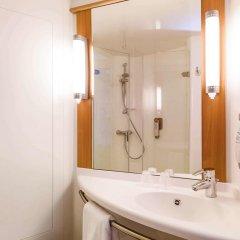 Отель Ibis Tour Montparnasse 15eme Париж ванная