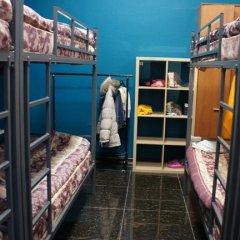 Хостел Уголок Кровать в мужском общем номере с двухъярусными кроватями
