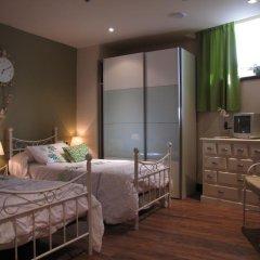 Отель Hostal Beti-jai Стандартный номер с различными типами кроватей фото 7