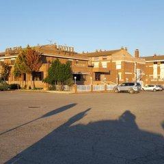 Hotel Reina Isabel Льейда парковка