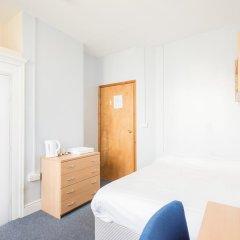 Hotel Strand Continental Стандартный номер с двуспальной кроватью (общая ванная комната)