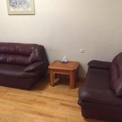Апартаменты FlatsInYerevan - Apartments on Tpagrichner Street комната для гостей фото 2