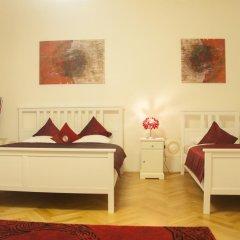 Отель Cherry Charm Apartment Чехия, Прага - отзывы, цены и фото номеров - забронировать отель Cherry Charm Apartment онлайн комната для гостей