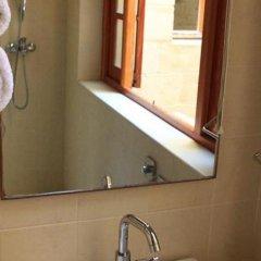 Отель Domus Luxuria Мальта, Корми - отзывы, цены и фото номеров - забронировать отель Domus Luxuria онлайн ванная фото 2