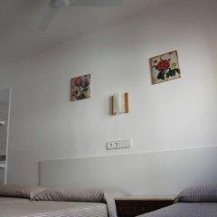 Отель Hostal Las Nieves Стандартный номер с различными типами кроватей (общая ванная комната) фото 33