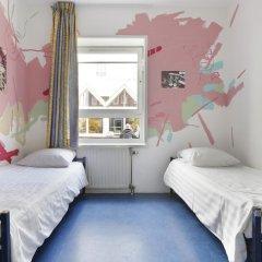 Hans Brinker Hostel Amsterdam Стандартный номер с 2 отдельными кроватями фото 4