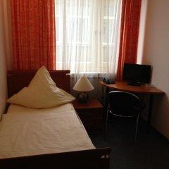 Hotel Schwarzer Bär 3* Стандартный номер с 2 отдельными кроватями (общая ванная комната) фото 4
