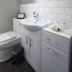 Отель Amadeus Guest House Глазго ванная фото 2