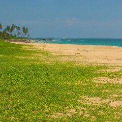Отель Amba Ayurveda Boutique Hotel Шри-Ланка, Пляж Golden Mile - отзывы, цены и фото номеров - забронировать отель Amba Ayurveda Boutique Hotel онлайн пляж фото 2
