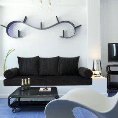 Отель Avant Garde Suites комната для гостей