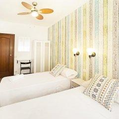 Отель Fira Guest House комната для гостей фото 3