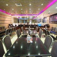 Oasis Deira Hotel гостиничный бар