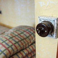 Хостел Trinity & Tours Кровать в общем номере с двухъярусной кроватью фото 15