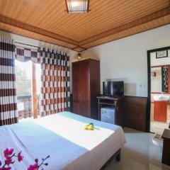 Отель Quang Xuong Homestay 2* Номер Делюкс с различными типами кроватей фото 4