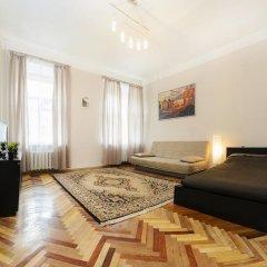 Апартаменты Apartments next to Kazan Cathedral Санкт-Петербург комната для гостей фото 2