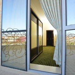 Gloria Hotel 4* Люкс с двуспальной кроватью фото 8