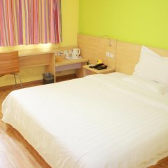 Отель 7Days Inn Beijing Taijing Bridge комната для гостей