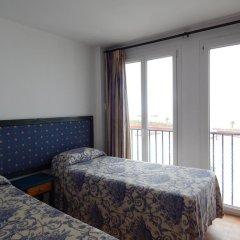 Отель Apartahotel Playa Conil Испания, Кониль-де-ла-Фронтера - отзывы, цены и фото номеров - забронировать отель Apartahotel Playa Conil онлайн комната для гостей фото 2