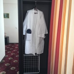 Гостиница Максимус Люкс с различными типами кроватей фото 7