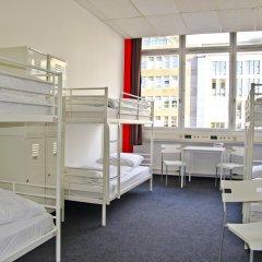 Check In Hostel Berlin Кровать в общем номере с двухъярусной кроватью фото 11