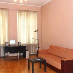 Апартаменты Ukraine Faire Apartments комната для гостей фото 4